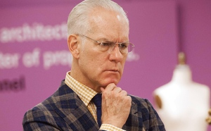 A flummoxed yet intrigued Tim Gunn reading this blog.